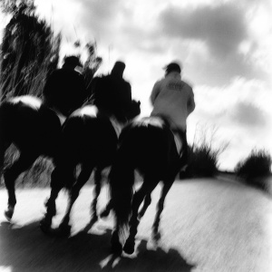 tre uomini a cavallo