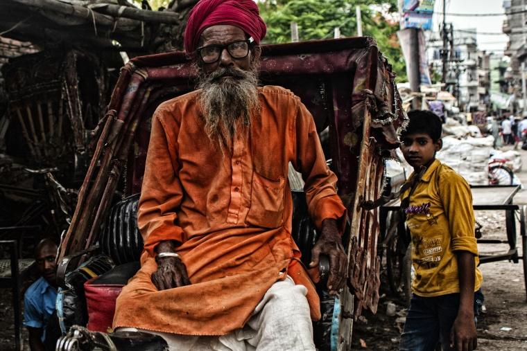 India, PATNA: Quando al mattino al posto del chicchirichì di un gallo ti sveglia un muggito e le mie contraddizioni