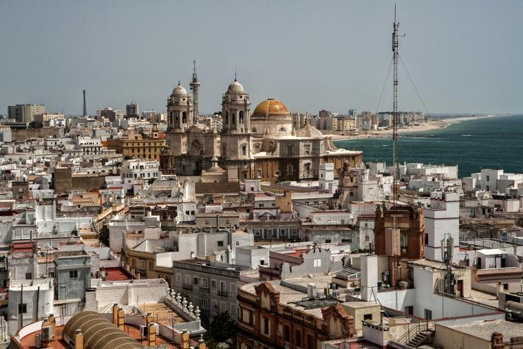 Spagna, CADICE: Credo di essere finita a dormire in un ex manicomio