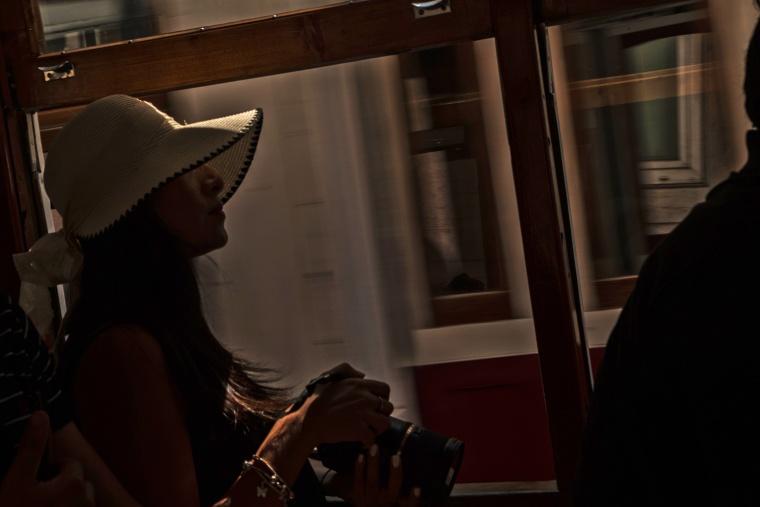 Portogallo, LISBONA: RIP cappello di paglia blu… insegna agli angeli a non perderti un'altra volta