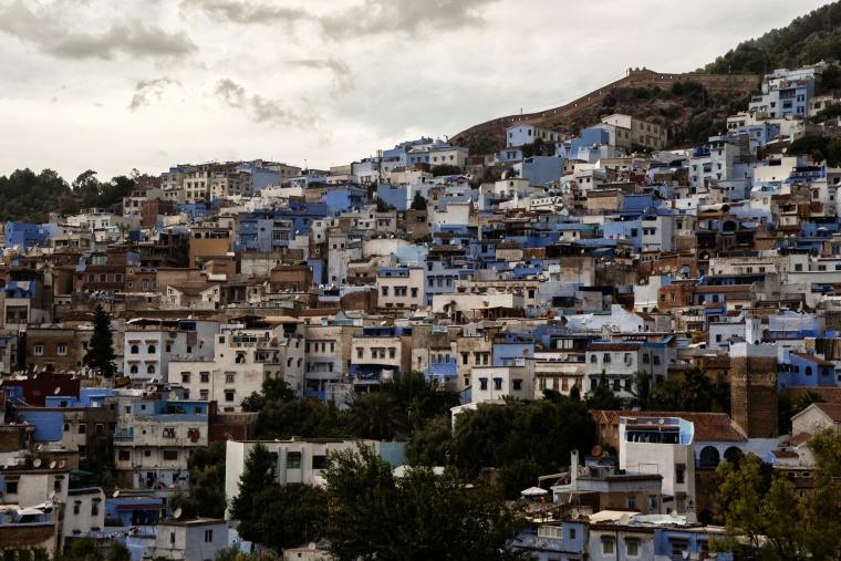 Marocco, CHEFCHAOUEN: Cielo, ti costava tanto abbinare il tuo colore a quello della città????