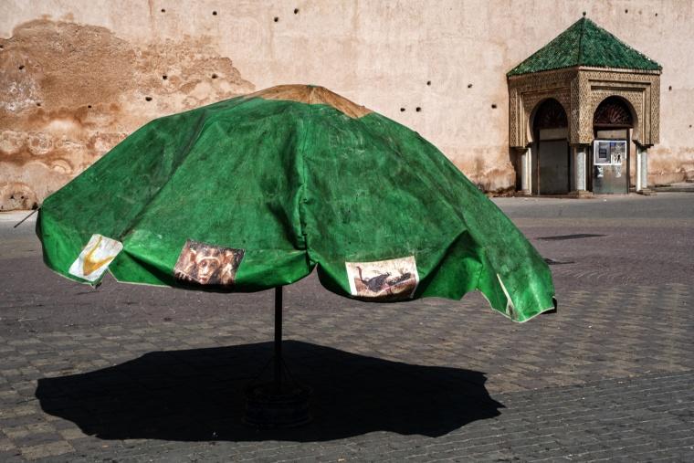 Marocco, MEKNÈS: Ma… perché non far tornare in auge i parasole?