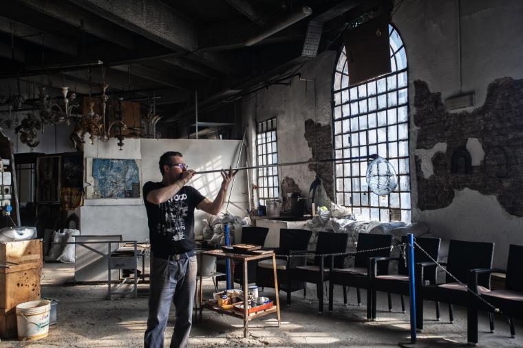 Italia, MURANO: Sono andata a tediare un maestro vetraio