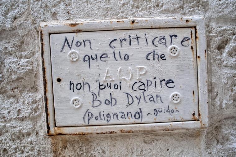 Italia, POLIGNANO A MARE: Guardare l'ultima puntata di Gomorra sotto la pioggia